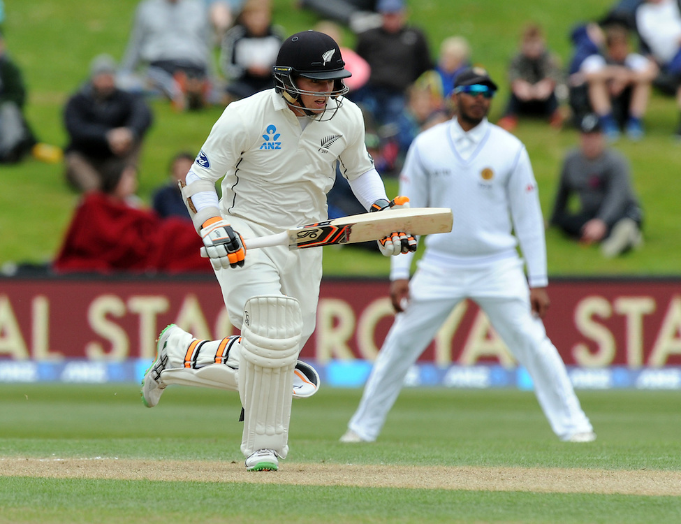 New Zealand's Tom Latham takes a run against Sri Lanka on day three of the first International Cricket Test, University Cricket Oval, Dunedin, New Zealand, Saturday, December 12, 2015. (Credit:SNPA / Ross Setford