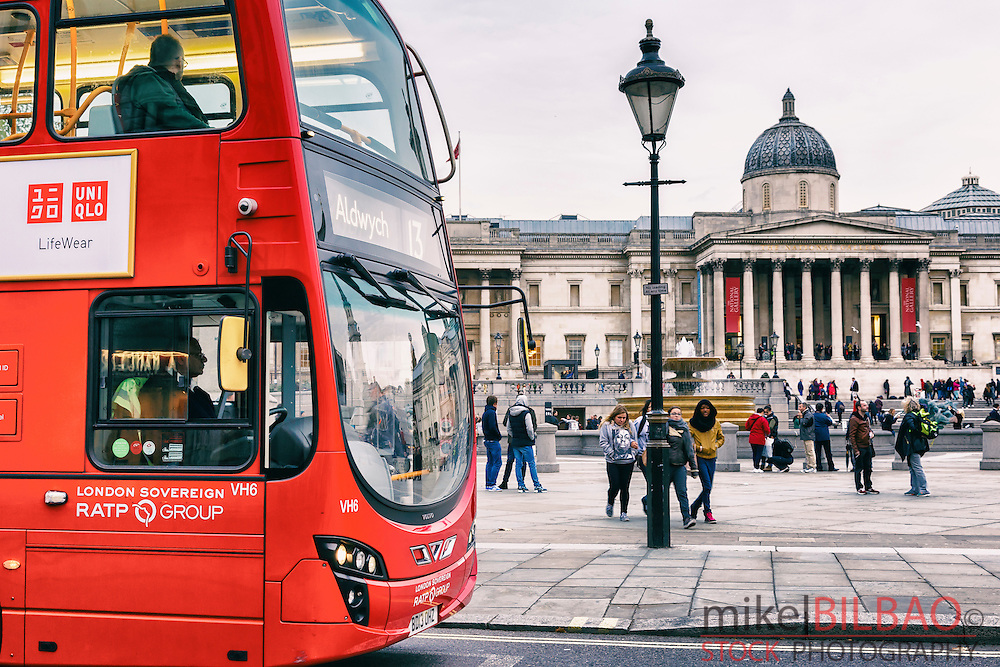Bus and National Gallery. Trafalgar Square. London, England, United kingdom, Europe.