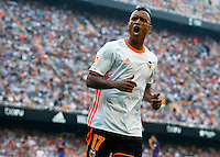 VALENCIA, SPAIN - OCTOBER 22:  Nani of Valencia reacts during the La Liga match between Valencia CF and FC Barcelona at Mestalla Stadium on October 22, 2016 in Valencia, Spain.  (Photo by Manuel Queimadelos Alonso/Getty Images)