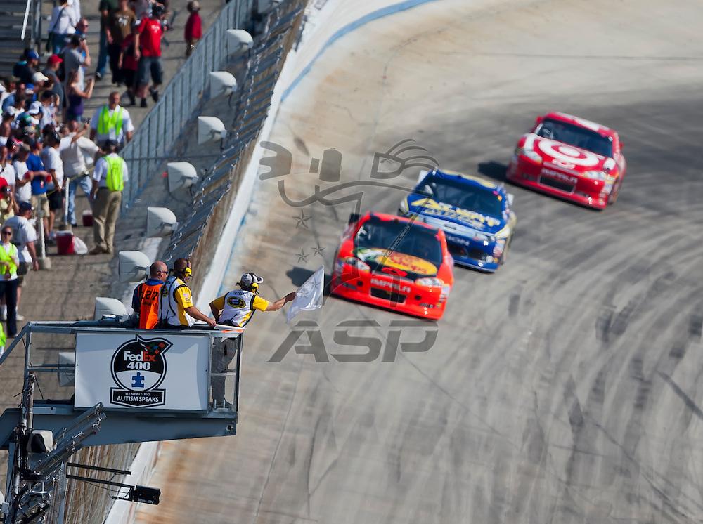 DOVER, DE - JUN 03, 2012:  Jamie McMurray (1) races during the FedEx 400 Benefiting Autism Speaks at the Dover International Speedway in Dover, DE.
