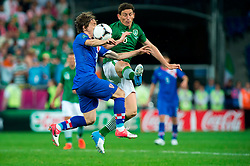 10.06.2012, Staedtisches Stadion, Posen, POL, UEFA EURO 2012, Irland vs Kroatien, Gruppe C, im Bild LUKA MODRIC, KEITH ANDREWS // during the UEFA Euro 2012 Group C Match between Ireland and Croatia at the Municipal Stadium Poznan, Poland on 2012/06/10. EXPA Pictures © 2012, PhotoCredit: EXPA/ Newspix/ Jakub Kaczmarczyk..***** ATTENTION - for AUT, SLO, CRO, SRB, SUI and SWE only *****
