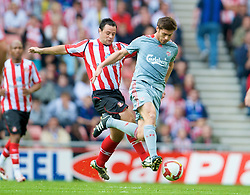 SUNDERLAND, ENGLAND - Saturday, August 16, 2008: Liverpool's Xabi Alonso in action against Sunderland during the opening Premiership match of the season at the Stadium of Light. (Photo by David Rawcliffe/Propaganda)