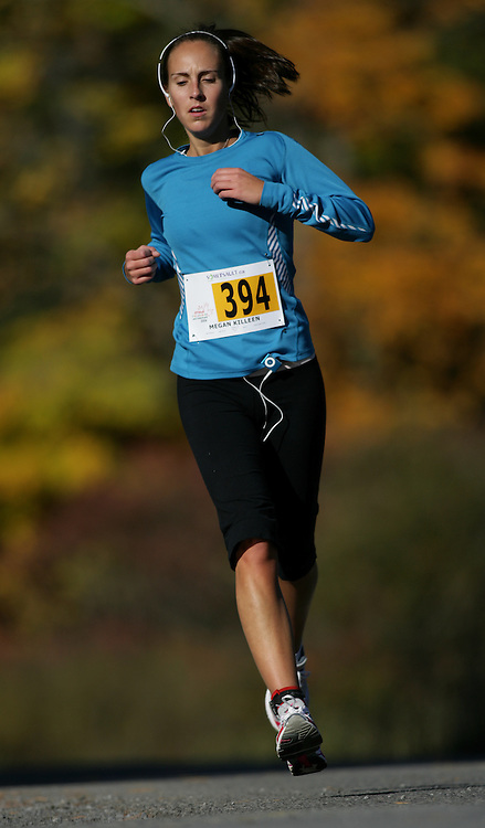 "(Ottawa (Cumberland), Ontario -- 11 Oct 2009) Megan Killeen competes in the 2009 Ottawa Fall Colours Half-Marathon in Cumberland. [Photo credit should read ""Sean Burges / Mundo Sport Images""]"