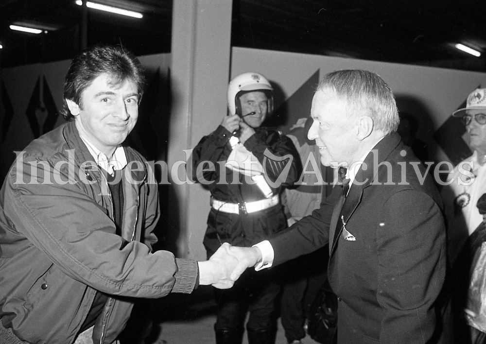 Frank Sinatra arriving at Dublin Airport after his concert in Lansdowne Road, 04/05/1989 (Part of the Independent Newspapers Ireland/NLI Collection).