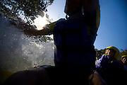 Extrema _ MG, Brasil.. Rafting no Rio Paraguacu... Rafting of Paraguacu river...Foto: BRUNO MAGALHAES /  NITRO.