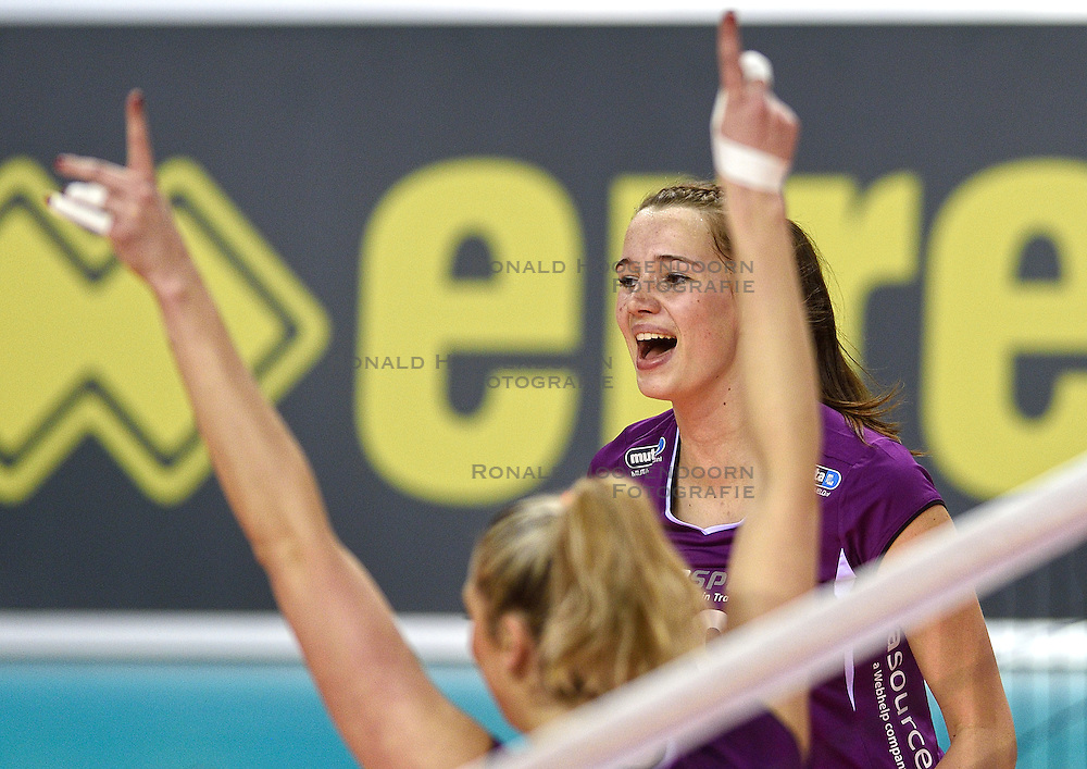 21-02-2016 NED: Bekerfinale Eurosped TVT - Set Up 65, Almere<br /> Nicole Oude Luttikhuis #10 of Eurosped