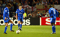 Photo: Scott Heavey, Digitalsport<br /> NORWAY ONLY.<br /> Monaco v Chelsea.  Champions League Semi Final, first leg. 20/04/2004.<br /> John Terry, Hernan Crespo (L) and Jimmy Floyd Hasselbaink prepare to kick off after going 3-1 down