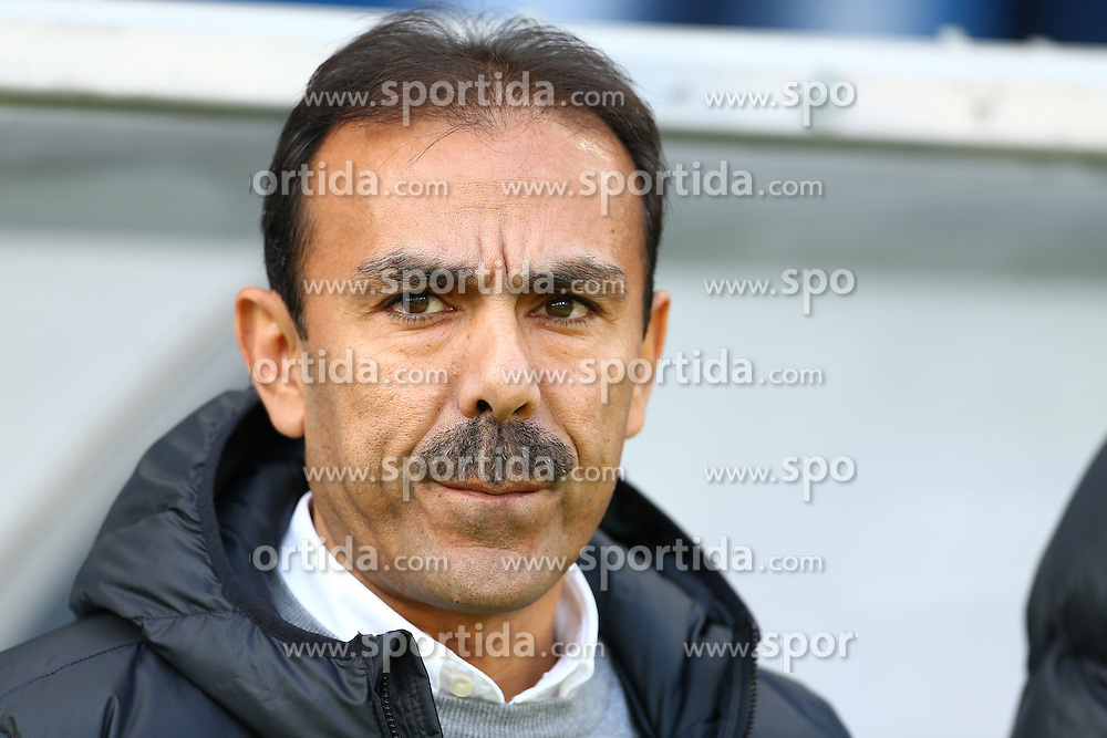 09.11.2013, Rhein Neckar Arena, Sinsheim, GER, 1. FBL, TSG 1899 Hoffenheim vs Hertha BSC, 12. Runde, im Bild Jos Luhukay (Hertha BSC Berlin), Portrait, Emotionen // during the German Bundesliga 12th round match between TSG 1899 Hoffenheim and Hertha BSC at the Rhein Neckar Arena in Sinsheim, Germany on 2013/11/09. EXPA Pictures &copy; 2013, PhotoCredit: EXPA/ Eibner-Pressefoto/ Neis<br /> <br /> *****ATTENTION - OUT of GER*****