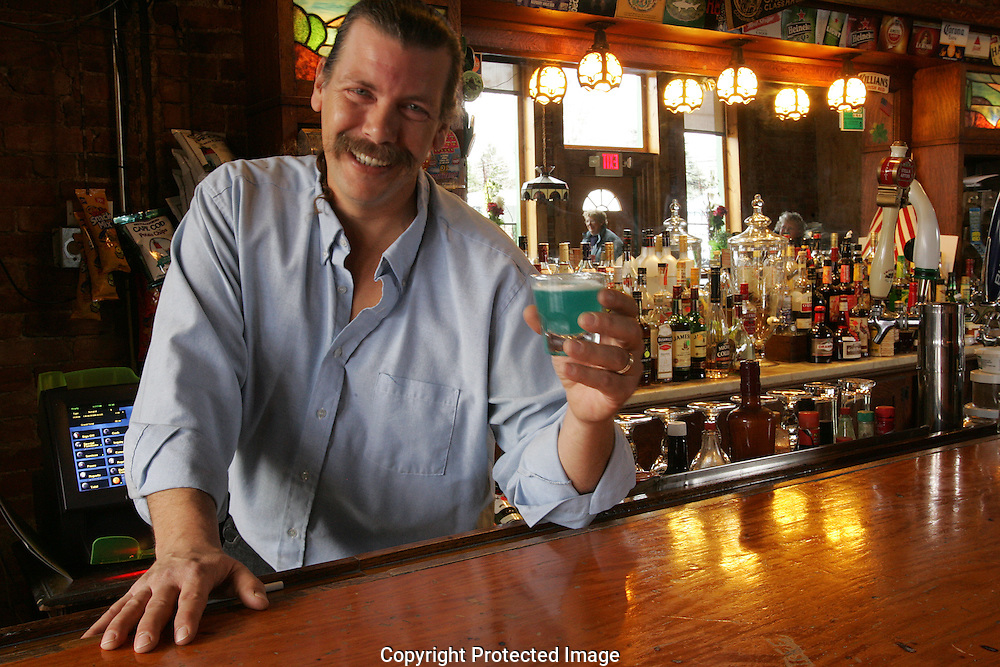 Hey Hey Bartender Pat Lewis .Alive's Best Bartender 2008