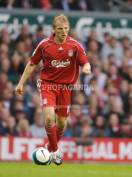 Liverpool, England - Sunday, August 19, 2007: Liverpool's Dirk Kuyt in action against Chelsea during the Premiership match at Anfield. (Photo by David Rawcliffe/Propaganda)