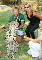 STELLENBOSCH, SOUTH AFRICA - Wednesday 20 January 2016, Francois Hougaard with Phoenix the cheetah during the launch of Springbok 7's new jersey with Steinhoff International as sponsor at the Markotter Indoor facility in Stellenbosch.<br /> Photo by Roger Sedres/ImageSA
