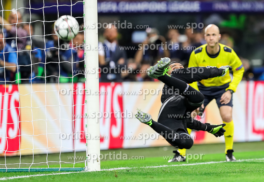 Keylor Navas of Real Madrid at missed penalty shot during football match between Real Madrid (ESP) and Atlético de Madrid (ESP) in Final of UEFA Champions League 2016, on May 28, 2016 in San Siro Stadium, Milan, Italy. Photo by Vid Ponikvar / Sportida
