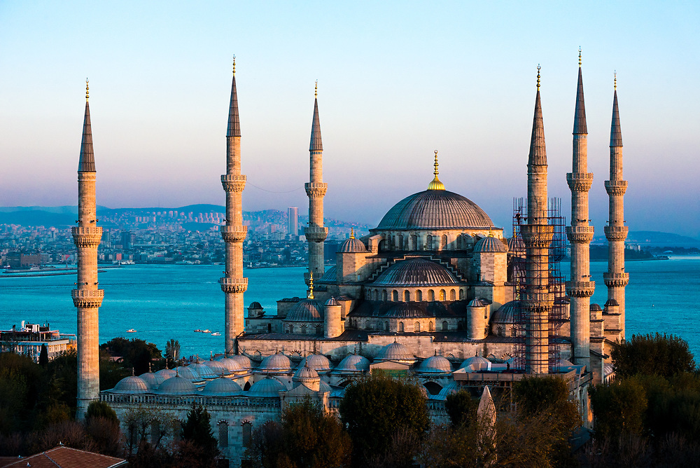 The Blue Mosque (Sultan Ahmed Mosque)   Altai World ...