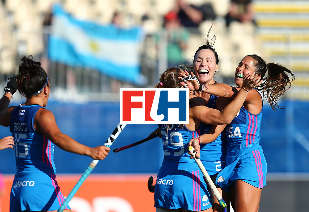 New Zealand, Auckland - 21/11/17  <br /> Sentinel Homes Women&rsquo;s Hockey World League Final<br /> Harbour Hockey Stadium<br /> Copyrigth: Worldsportpics, Rodrigo Jaramillo<br /> Match ID: 10301 - GER vs ARG<br /> Photo: (29) GOMES Julia celebraiting with (27) BARRIONUEVO Noel and (17) SANCHEZ MOCCIA Rocio