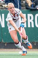 AMSTERDAM - Amsterdam - Den Bosch , Wagener Stadion , Hockey , Play-off hoofdklasse hockey , 03-05-2015 , Amstersdam speelster Charlotte Vega