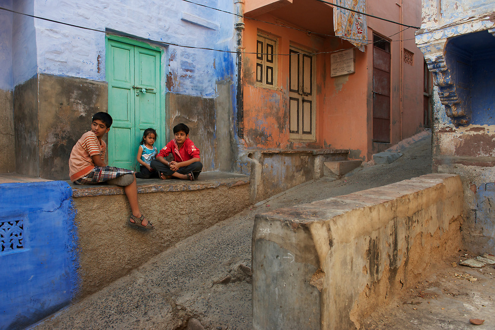 Within the old city of Jodhpur the homes are painted predominantly blue, apparently to ward off mosquitos.