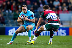 Perry Humphreys of Worcester Warriors takes on George Worth of Leicester Tigers - Mandatory by-line: Robbie Stephenson/JMP - 03/11/2018 - RUGBY - Welford Road Stadium - Leicester, England - Leicester Tigers v Worcester Warriors - Gallagher Premiership Rugby