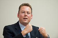 """02 JUL 2009, POTSDAM/GERMANY:<br /> Prof. Dr. Holger Ernst, Chair for Technologie and Innovation Management, WHU Vallendar, """"Kreative Zerstoerer der deutschen Wirtschaft"""", Konferenz der Financial Times Deutschland, Hasso-Plattner-Institut<br /> IMAGE: 20090702-01-172"""