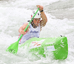27.06.2015, Verbund Wasserarena, Wien, AUT, ICF, Kanu Wildwasser Weltmeisterschaft 2015, C1 men, im Bild Antonin Hales (CZE) // during the final run in the men's C1 class of the ICF Wildwater Canoeing Sprint World Championships at the Verbund Wasserarena in Wien, Austria on 2015/06/27. EXPA Pictures © 2014, PhotoCredit: EXPA/ Sebastian Pucher