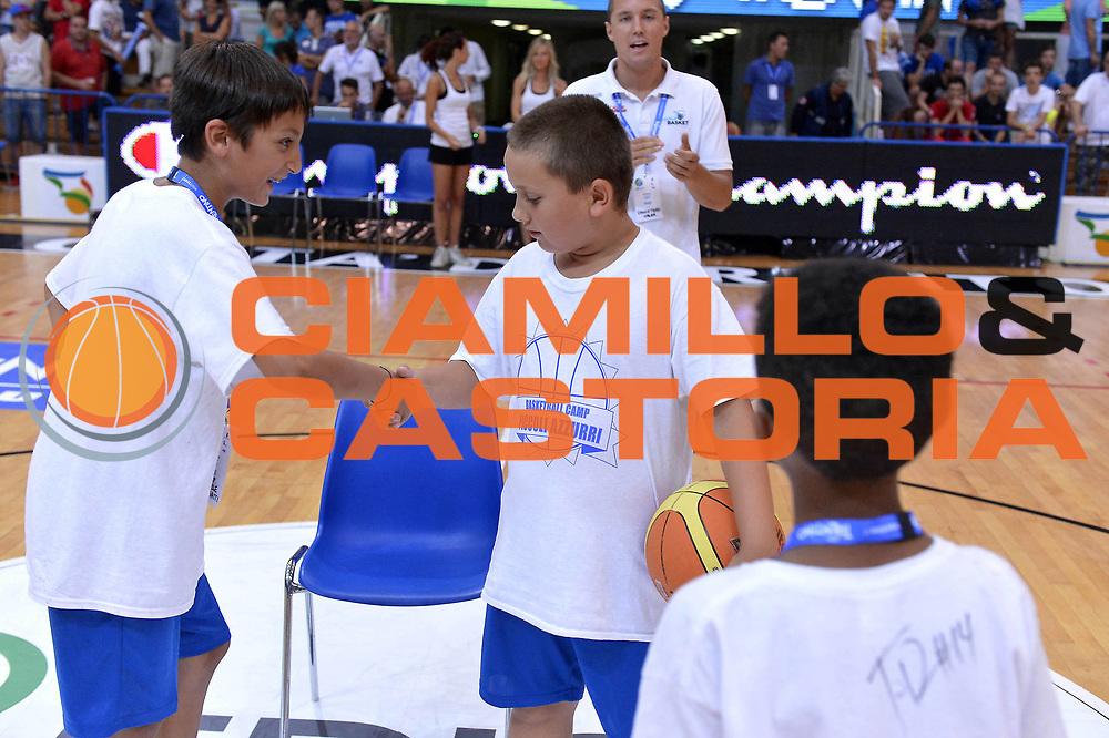 DESCRIZIONE : Trento Basket Cup 2013 Italia Israele<br /> GIOCATORE : Forza Azzurri<br /> CATEGORIA : Basketball Camp <br /> SQUADRA : Nazionale Italia Uomini Maschile<br /> EVENTO : Trento Basket Cup 2013 Italia Israele<br /> GARA : Italia Israele<br /> DATA : 08/08/2013<br /> SPORT : Pallacanestro<br /> AUTORE : Agenzia Ciamillo-Castoria/GiulioCiamillo<br /> Galleria : FIP Nazionali 2013<br /> Fotonotizia : Trento Basket Cup 2013 Italia Israele<br /> Predefinita :