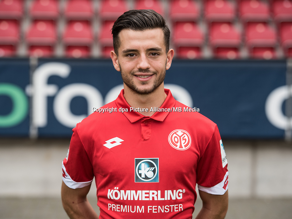 German Bundesliga - Season 2016/17 - Photocall FSV Mainz 05 on 25 July 2016 in Mainz, Germany: Besar Halimi (30). Photo: Andreas Arnold/dpa | usage worldwide