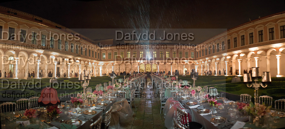 RAINING ON THE DINNER, Italian Vanity Fair's 10 Anniversary celebration  hosted by Luca Dini. . Fondazione Cini, Isola di San Giorgio. Venezia.  1 September 2013