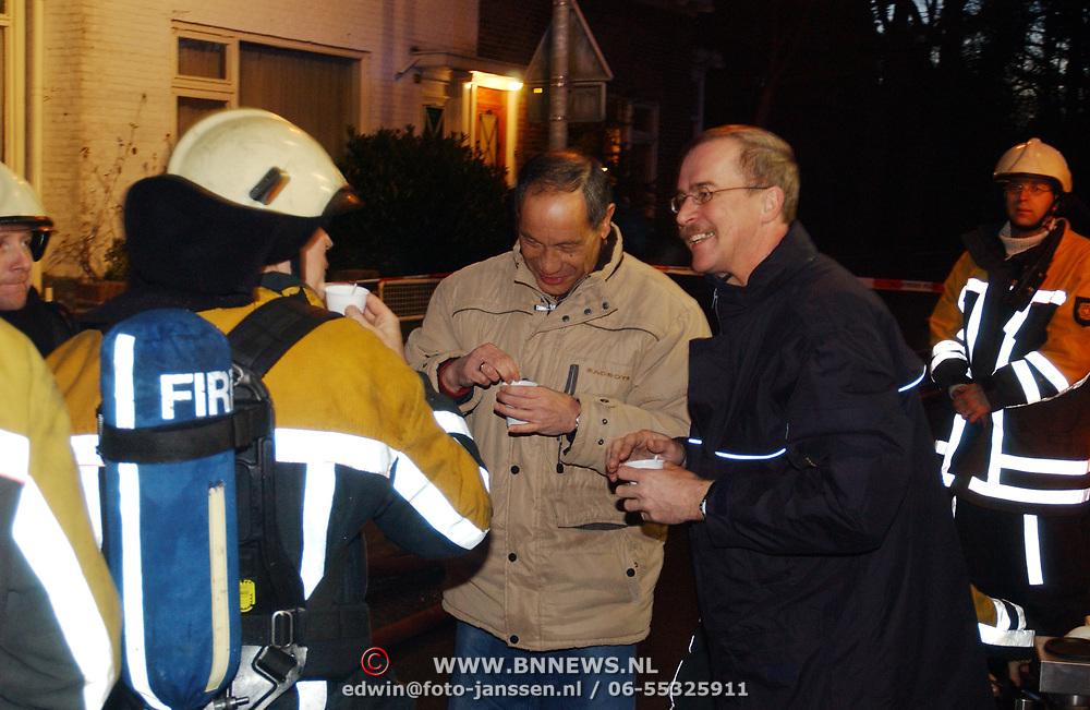 Brand in woning met rieten kap Driftweg 202 Huizen, cadi, koffie en afwisseling, burgemeester Jos Verdier