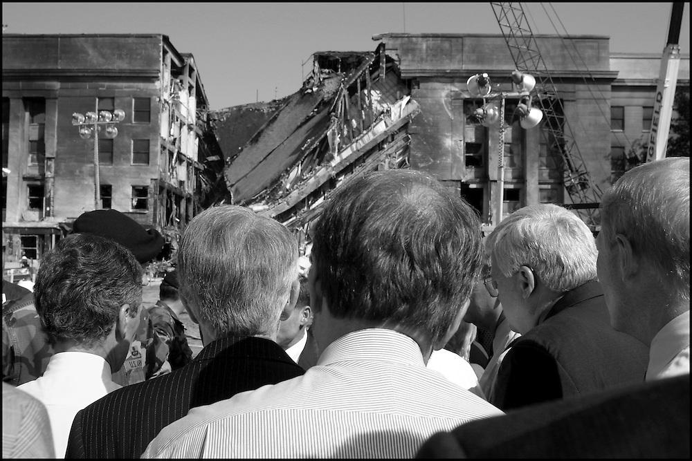 Congressional heads visit the Pentagon site. 9/13/01..©PF BENTLEY/PFPIX.com