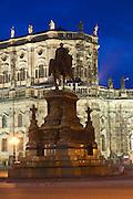 Theaterplatz mit Kathedrale, König-Johann-Denkmal, Dämmerung,  Dresden, Sachsen, Deutschland.|.theatre square, cathedral, King John memorial at night, Dresden, Germany
