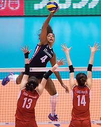 15-05-2016 JAP: OKT Nederland - Zuid Korea, Tokio<br /> Er is nog niets verloren, maar de volleybalsters van Oranje hebben tijdens het OKT een gevoelige 3-0 nederlaag geleden tegen Zuid-Korea / Celeste Plak #4