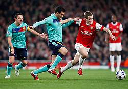 16.02.2011, Emirates Stadium, London, ENG, UEFA CL, FC Arsenal vs FC Barcelona, im Bild Arsenal's Jack Wilshere with Barcelona's Pedro Rodr?guez in Arsenal vs Barcelona for the UCL  ,Round of last 16, at the Emirates Stadium in London on 16/02/2011, EXPA Pictures © 2011, PhotoCredit: EXPA/ IPS/ Kieran Galvin +++++ ATTENTION - OUT OF ENGLAND/GBR and France/ FRA +++++