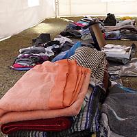 TOLUCA, México.- Integrantes del  voluntariado del ISEM instalaron un centro de acopio en la plaza Ángel María Garibay, para apoyar a los damnificados por las lluvias en el Estado de México, solicitan zapatos, cobijas, alimentos, agua, ropa, artículos de higiene personas, medicamentos, hasta el momento la ayuda no ha sido mucha, pero esperan que en los próximos días obtengan más apoyo. Agencia MVT / Crisanta Espinosa. (DIGITAL)