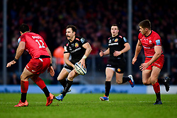 Nic White of Exeter Chiefs is marked by Brad Barritt of Saracens - Mandatory by-line: Ryan Hiscott/JMP - 29/12/2019 - RUGBY - Sandy Park - Exeter, England - Exeter Chiefs v Saracens - Gallagher Premiership Rugby