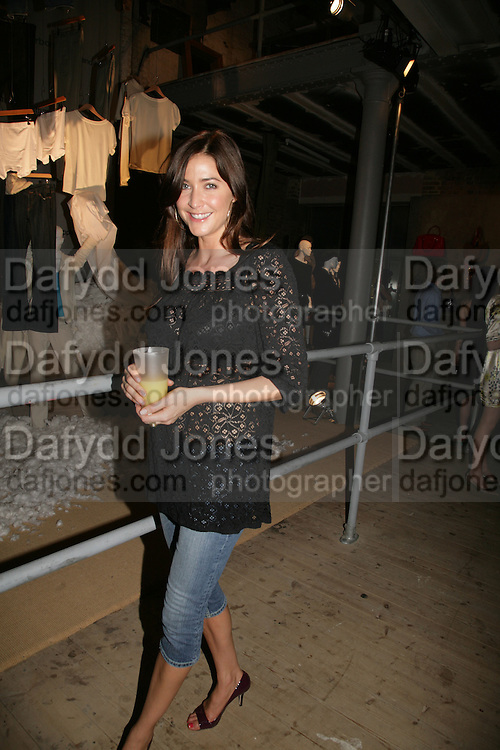 Lisa Snowdon, M and S private preview. No 1 Covent Garden Piazza. 24 May 2007.  -DO NOT ARCHIVE-© Copyright Photograph by Dafydd Jones. 248 Clapham Rd. London SW9 0PZ. Tel 0207 820 0771. www.dafjones.com.