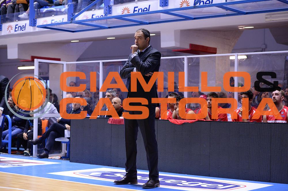 DESCRIZIONE : Brindisi  Lega A 2015-16<br /> Enel Brindisi Openjobmetis Varese<br /> GIOCATORE : Paolo Moretti<br /> CATEGORIA : Allenatore Coach<br /> SQUADRA : Openjobmetis Varese<br /> EVENTO : Campionato Lega A 2015-2016<br /> GARA :Enel Brindisi Openjobmetis Varese<br /> DATA : 29/11/2015<br /> SPORT : Pallacanestro<br /> AUTORE : Agenzia Ciamillo-Castoria/M.Longo<br /> Galleria : Lega Basket A 2015-2016<br /> Fotonotizia : Brindisi  Lega A 2015-16 Enel Brindisi Openjobmetis Varese<br /> Predefinita :