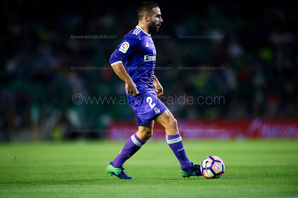 SEVILLE, SPAIN - OCTOBER 15:  Daniel Carvajal of Real Madrid CF in action during the match between Real Betis Balompie and Real Madrid CF as part of La Liga at Benito Villamrin stadium October 15, 2016 in Seville, Spain.  (Photo by Aitor Alcalde/Getty Images)