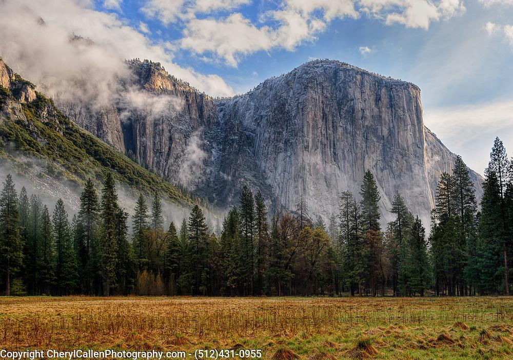 El Capitan, in the Sierra Nevada Mountain Range,in Yosemite National Park