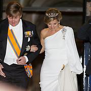 NLD/Amsterdam/20190409 - Galadiner Corps Diplomatique 2019, vertrek Willem - Alexander en Maxima