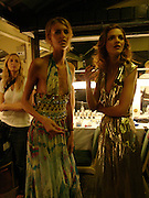 Jacquetta Wheeler and Maria Carla, Clothesline, fundraising fashion show and auction to raise money for an aids charity in Africa. chelsea Gardener, 20 September 2004. SUPPLIED FOR ONE-TIME USE ONLY-DO NOT ARCHIVE. © Copyright Photograph by Dafydd Jones 66 Stockwell Park Rd. London SW9 0DA Tel 020 7733 0108 www.dafjones.com