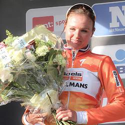 27-02-2016: Wielrennen: Omloop Nieuwsblad vrouwen: Gent<br />GENT (BEL) wielrennen<br />De opening van het Noord Europese wielerseizoen is traditioneel de opening van het wielerseizoen bij de mannen en vrouwen. Chantal Blaak