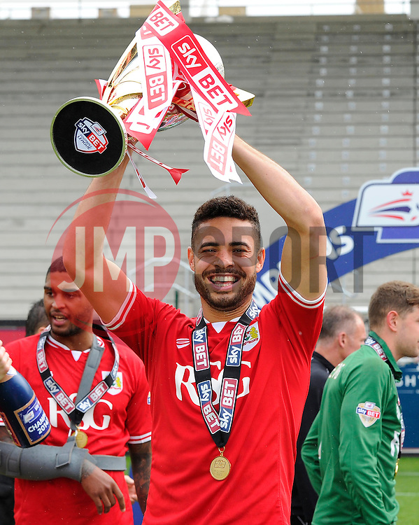 Bristol City's Derrick Williams lift the Sky Bet League one Trophy as Bristol City are Crowned champions  - Photo mandatory by-line: Joe Meredith/JMP - Mobile: 07966 386802 - 03/05/2015 - SPORT - Football - Bristol - Ashton Gate - Bristol City v Walsall - Sky Bet League One