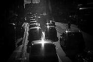 London. UK car traffic on  THe Strand / Londres . Grande Bretagne