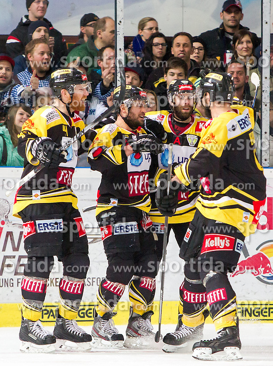 07.04.2015, Eisarena, Salzburg, AUT, EBEL, EC Red Bull Salzburg vs UPC Vienna Capitals, Finale, 1. Spiel, im Bild Torjubel nach dem 2:1 Treffer für Wien durch Rafael Rotter (UPC Vienna Capitals) // during the Erste Bank Icehockey League 1st final match between EC Red Bull Salzburg and UPC Vienna Capitals at the Eisarena in Salzburg, Austria on 2015/04/07. EXPA Pictures © 2015, PhotoCredit: EXPA/ JFK