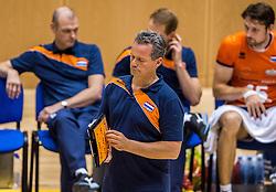 04-06-2016 NED: Nederland - Duitsland, Doetinchem<br /> Nederland speelt de tweede oefenwedstrijd in Doetinchem en verslaat Duitsland opnieuw met 3-1 / Coach Gido Vermeulen