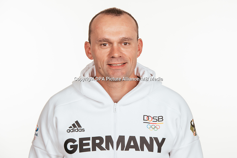Jörg Möckel poses at a photocall during the preparations for the Olympic Games in Rio at the Emmich Cambrai Barracks in Hanover, Germany, taken on 20/07/16 | usage worldwide