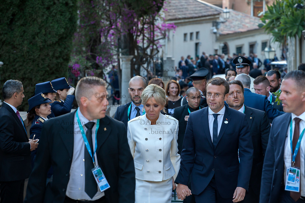 Il Premier francese Emmanuel Macron con la moglie Brigitte al G7 di Taormina.