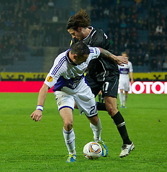20.10.2011, UPC Arena, Graz, AUT, UEFA Europa League, Sturm Graz (AUT) vs RSC Anderlecht (BEL), im Bild Imre Szabics (SK Sturm Graz, #11, Offense) gegen Tom De Sutter (RSC Anderlecht, Offense, #21) // during UEFA Europa League football game between Sturm Graz (AUT) and RSC Anderlecht (BEL) at UPC Arena in Graz, Austria on 20/10/2011. EXPA Pictures © 2011, PhotoCredit: EXPA/ E. Scheriau