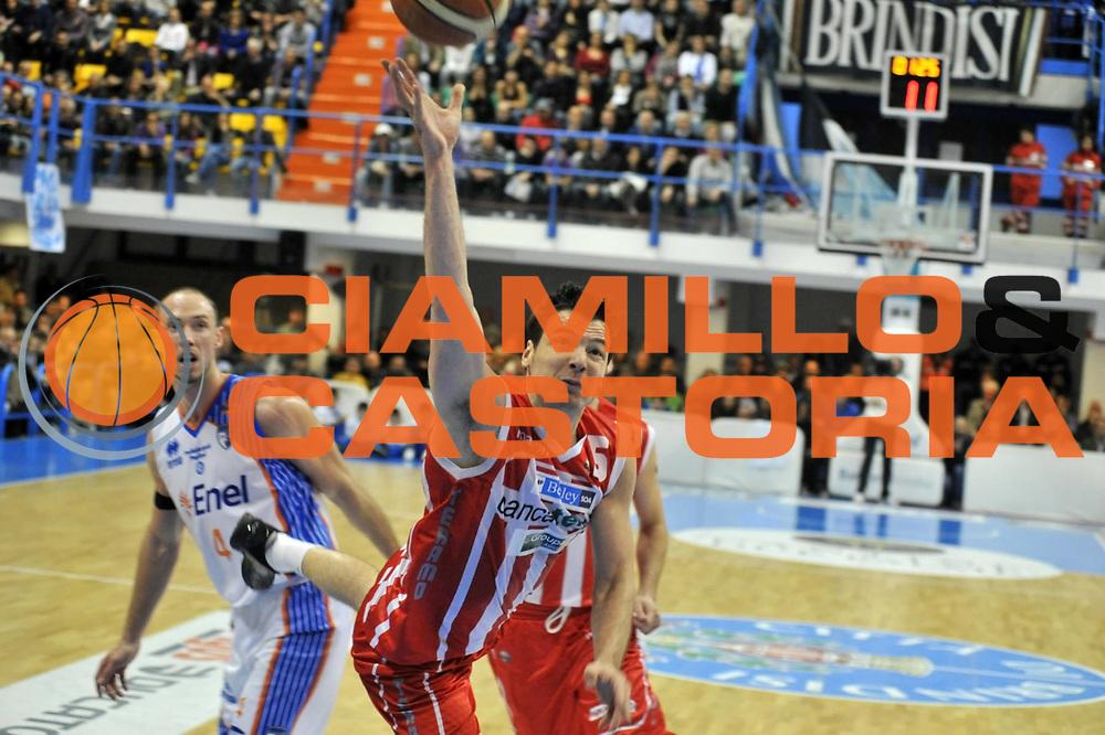 DESCRIZIONE : Brindisi Lega A 2010-11 Enel Brindisi  BancaTercas Teramo<br /> GIOCATORE : Ivan Zoroski<br /> SQUADRA : BancaTercas Teramo<br /> EVENTO : Campionato Lega A 2010-2011 <br /> GARA : Enel Brindisi BancaTercas Teramo<br /> DATA : 16/04/2011<br /> CATEGORIA : tiro<br /> SPORT : Pallacanestro <br /> AUTORE: Agenzia CiamilloCastoria/D.Tasco<br /> Galleria : Lega Basket A 2010-2011  <br /> Fotonotizia : Brindisi Lega A 2010-11 Enel Brindisi  BancaTercasTeramo<br /> Predefinita :
