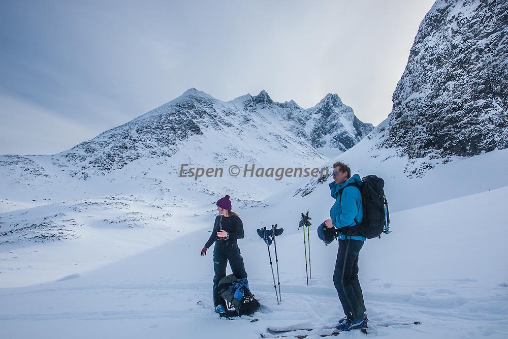 Skiers with Skagstølsryggen in the background