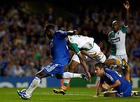 Photo: Daniel Hambury.<br />Chelsea v Werder Bremen. UEFA Champions League, Group A. 12/09/2006.<br />Chelsea's Michael Essien sacores to make it 1-0.